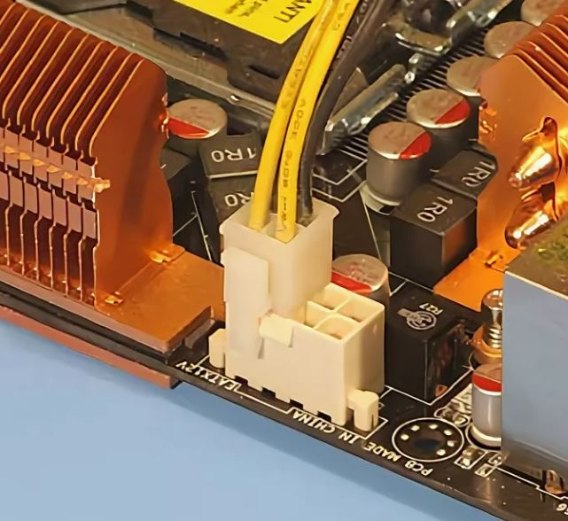 блок питания с 8pin питания процессора
